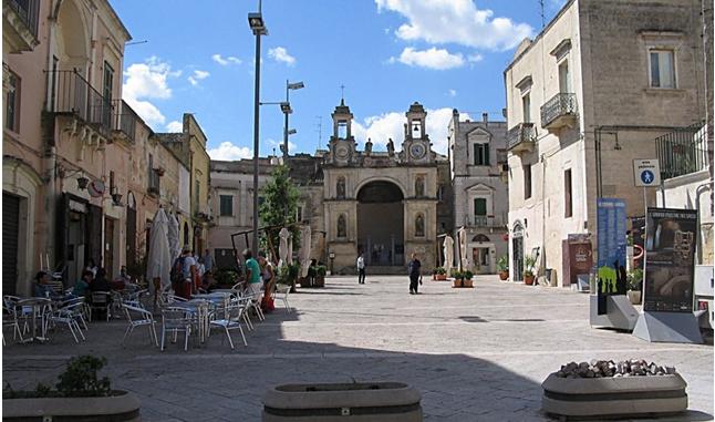 piazza-del-sedile-materainside